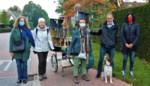 Kunstenares Trui Hoste stapt met kunstwerk naar Gent