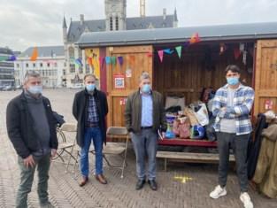 SP.A zamelt honderden jassen in op Dag Tegen Armoede