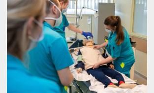 Druk op UZ Gent neemt toe: studenten geneeskunde reageren in groten getale op roep om hulp