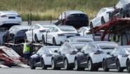"""Nederlandse Tesla-eigenaars dreigen fabrikant voor de rechter te slepen: """"Auto's remmen soms plots uit zichzelf op snelweg"""""""