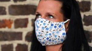 Stoffen mondmaskers beschermen niet tegen coronavirus, maar waarom worden ze dan niet afgeraden?