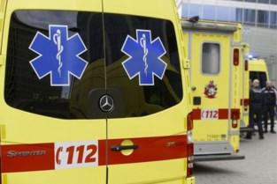 Vrouw (74) gewond bij aanrijding in Genk