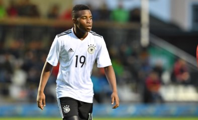 Schalke 04 spoort daders op van racisme tegen 15-jarig supertalent Moukoko