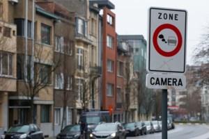 Verdeeld Gents stadsbestuur jaagt LEZ door gemeenteraad, zonder verdeeldheid te tonen