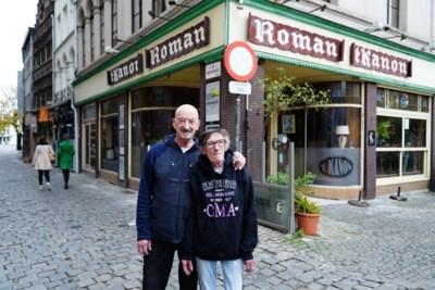 """Bazin (64) van legendarisch stamcafé houdt ermee op: """"Van dokter tot stempelaar, iedereen was hier gelijk voor de wet"""""""
