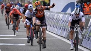"""Jolien D'hoore sprint het snelste in Driedaagse Brugge De Panne, maar wordt gedeclasseerd: """"Een te strenge beslissing"""""""
