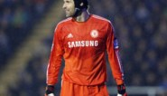 Doelman Petr Cech als noodoplossing weer op spelerslijst bij Chelsea