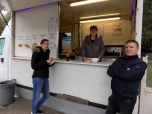 Zaakvoerster danscafé Villa Fiesta opent hamburgerkraam
