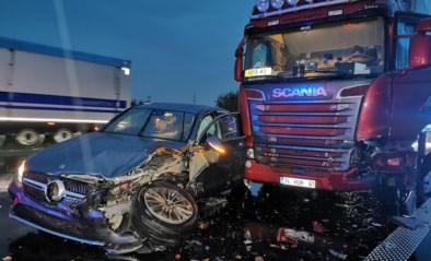 Grote verkeershinder na ongeval met trucks op E17