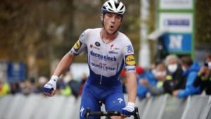 Uitslag AG Driedaagse Brugge-De Panne. Waaieroorlog kolfje naar de hand van beresterke Yves Lampaert