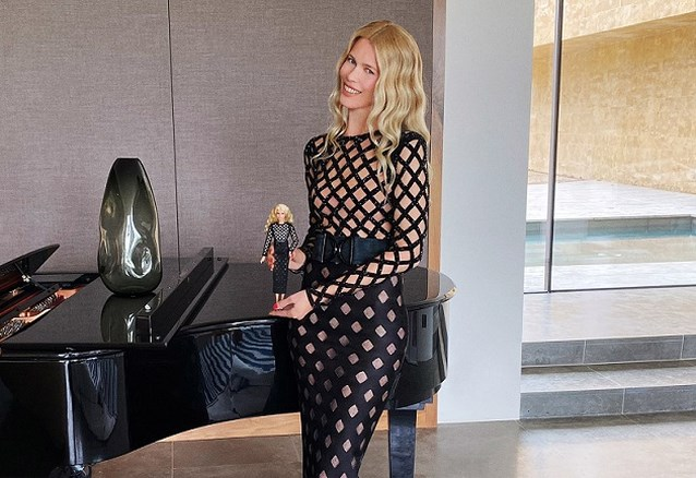 Claudia Schiffer krijgt haar eigen Barbie en die draagt Versace en Balmain