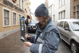 Parkeerwachters kosten pak meer, stad schrapt extra controles