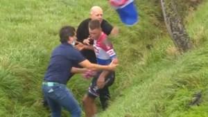 Mathieu van der Poel belandt in gracht in AG Driedaagse Brugge-De Panne, ploegleider vreest voor hersenschudding
