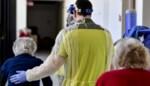"""3.107 personeelsleden van rusthuizen zitten al thuis, 1.347 bewoners besmet: """"Het worden helse weken"""""""