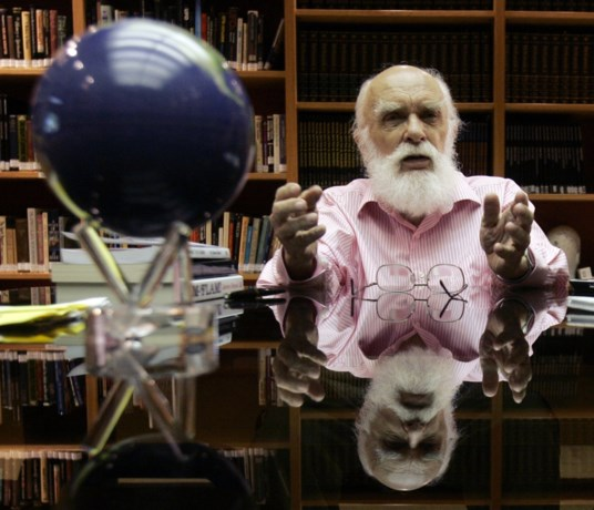 Goochelaar en ontsnappingsspecialist James Randi overleden op zijn 92ste