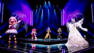 Blik achter de schermen bij 'The masked singer' én iedereen strijdt tegen iedereen in groepslied