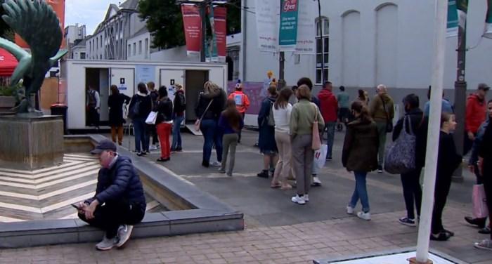 Na sluiting horeca nijpend tekort aan openbare toiletten in winkelstraten