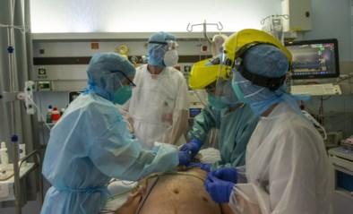 """Situatie in ziekenhuizen zeer onrustwekkend, en biostatisticus Kurt Barbé ziet geen beterschap: """"Niet afwachten tot volgende week"""""""