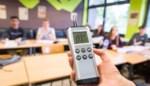 """Gemeentescholen installeren CO2-meters in alle klaslokalen: """"Geen overbodige luxe in coronatijden"""""""