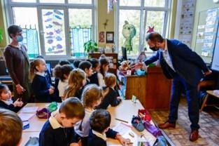 Virusvrije lucht in de klas? Leerlingen checken smileys op sensor