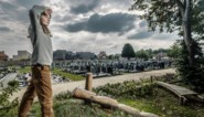 Rouwen op kindermaat: hoe steeds meer steden en gemeenten begraafplaats toegankelijker maken voor kinderen