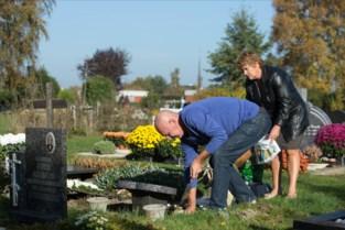 Stad stuurt medewerkers naar begraafplaatsen voor allerheiligenweek