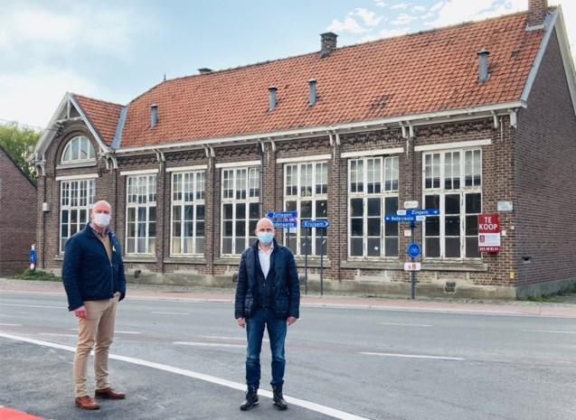 Gemeenteschool Nederzwalm verkocht voor 242.000 euro