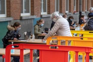 'Vaccinatiestraat' in Berchem: studenten verpleegkunde enten 4.000 mensen in tegen griep