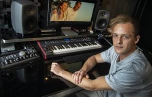 """Gilles (27) wil geen dj meer zijn op festivals en schrijft nu songs: """"Ik bereik veel meer fans dan veel bekende Belgische artiesten"""""""