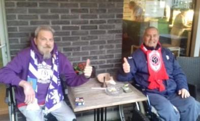 """Foto van palliatieve Beerschot- en Antwerp-fan gaat viraal: """"Erik en Marc bewijzen dat verdriet geen kleur heeft"""""""