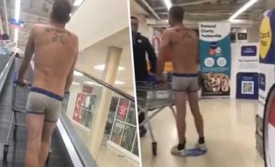Man gaat winkelen in onderbroek om te protesteren tegen coronamaatregelen