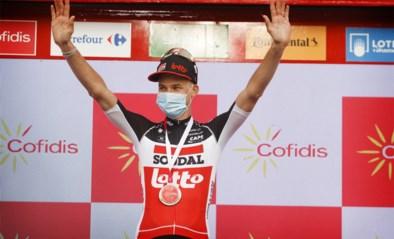 """Tim Wellens pakt eerste seizoenszege in Vuelta: """"Ik hoop dat dit artikel mijn 'Papy' moed geeft om terug te vechten"""""""