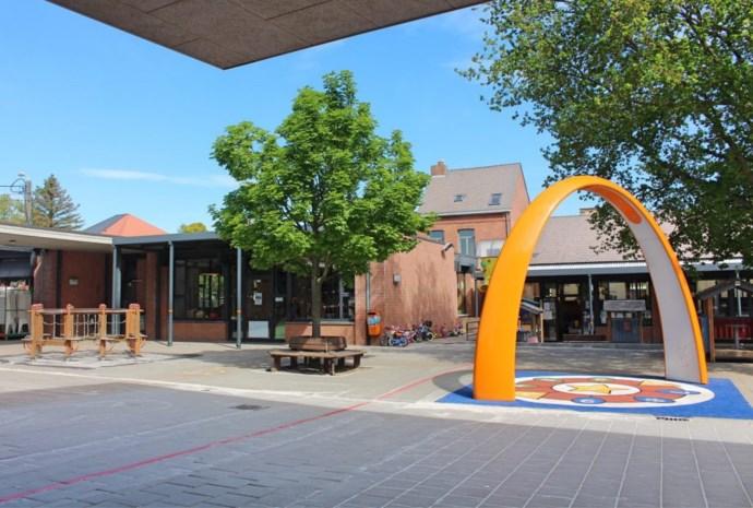 De Esdoorn sluit kleuterschool en tweede leerjaar na coronabesmettingen, ook Dijkstein sluit deuren