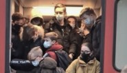 """Boze reacties op stampvolle trein vol scholieren in station Lichtervelde: """"Dit was een geval van overmacht"""""""
