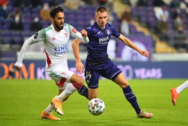 Bogdan Mykhaylichenko test positief bij Anderlecht, dat in de problemen zit op linksachter