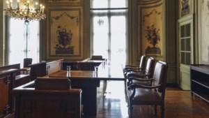 Twee academici trekken naar Raad van State tegen avondklok