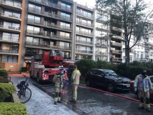 """Inwoners appartementsgebouw opgeschrikt door brand: """"Blussysteem heeft veel erger voorkomen"""""""