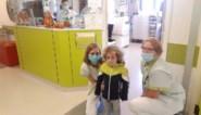 """Vierjarige coronapatiënt Kaïs is weer thuis na twaalf dagen kunstmatige coma: """"Hij moet nu nog een tijdje revalideren"""""""