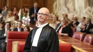 Zes maanden schorsing voor topmagistraat Johan Sabbe voor seksueel getinte berichten aan vrouwelijke chauffeur