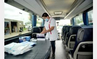 In kwartiertje getest op corona in 'sneltestbus'? Dat is dan 80 euro