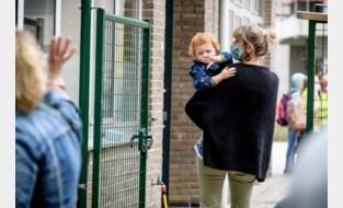 """Burgemeester Oostende dreigt politie in te zetten in strijd tegen 'hangouders': """"Maak geen koffiekransje van het ophalen van kinderen"""""""