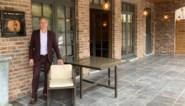 """De lockdown was nog niet moeilijk genoeg, nu roven dieven bijna alle unieke terrasstoelen van hotel: """"Als ik hen vind, koop ik ze meteen terug"""""""