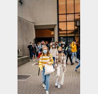 """Gents stadsbestuur roept op om leerlingen niet allemaal tegelijk naar school te sturen: """"Zo ontlasten we de spits"""""""