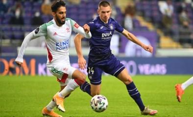 Hoe Anderlecht het coronavirus (tevergeefs) probeert in te perken: spelers mogen scoren, maar niet bij vrouwelijke fans