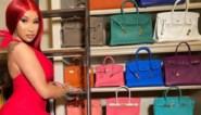 Cardi B pikt kritiek op haar collectie Birkin-handtassen niet