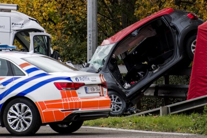 """Dakwerker overleeft dodelijke crash met vluchtende inbrekers op E19: """"Geen andere mogelijkheid dan zwaar te botsen"""""""