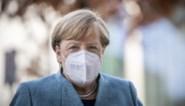 Bondskanselier Merkel hekelt het feit dat Duitsers zich niet aan de maatregelen houden