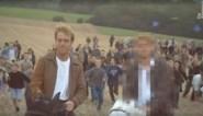 Opvallend beeld in 'De afspraak': Bart De Pauw onherkenbaar gemaakt tijdens fragment van de 'Schalkse ruiters'