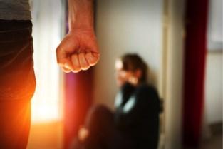 Werkstraf voor man die dreigde ex-vrouw van de trap te gooien