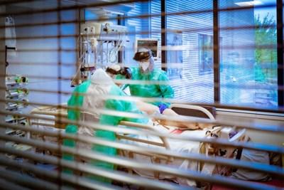 Hoeveel druk kan de intensieve zorg nog aan? Zien we straks patiënten in gangen liggen, zoals in Italië dit voorjaar?